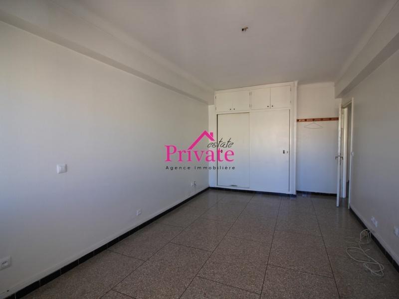 Location,Appartement 150 m² QUARTIER WILAYA,Tanger,Ref: LA498 4 Bedrooms Bedrooms,2 BathroomsBathrooms,Appartement,QUARTIER WILAYA,1701