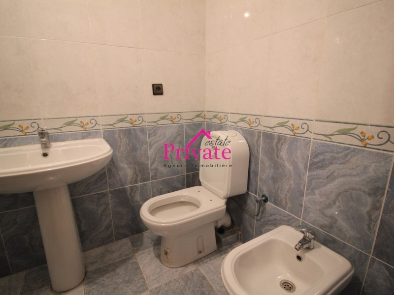 Location,Appartement 160 m² QUARTIER IBERIA,Tanger,Ref: LZ513 3 Bedrooms Bedrooms,2 BathroomsBathrooms,Appartement,QUARTIER IBERIA,1723