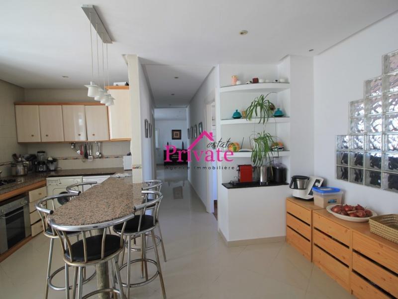 Vente,Appartement 177 m² PLACE MOZART,Tanger,Ref: VA254 3 Bedrooms Bedrooms,2 BathroomsBathrooms,Appartement,PLACE MOZART,1774