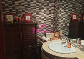 Vente,Appartement 160 m² QUARTIER ADMINISTRATIF,Tanger,Ref: va257 3 Bedrooms Bedrooms,2 BathroomsBathrooms,Appartement,QUARTIER ADMINISTRATIF,1790