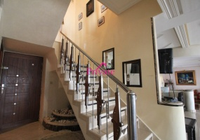 Vente,Appartement 304 m² ,Tanger,Ref: VA270 3 Bedrooms Bedrooms,2 BathroomsBathrooms,Appartement,1818