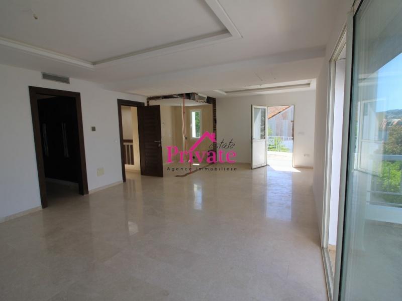 Vente,Villa 330 m² MOUJAHIDINE ,Tanger,Ref: VA315 5 Bedrooms Bedrooms,3 BathroomsBathrooms,Villa,MOUJAHIDINE ,1931