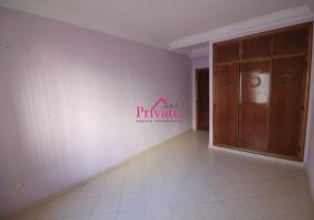 Location,Appartement 126 m² QUARTIER HÔPITAL ESPAGNOL,Tanger,Ref: LA592 3 Bedrooms Bedrooms,2 BathroomsBathrooms,Appartement,QUARTIER HÔPITAL ESPAGNOL,1949