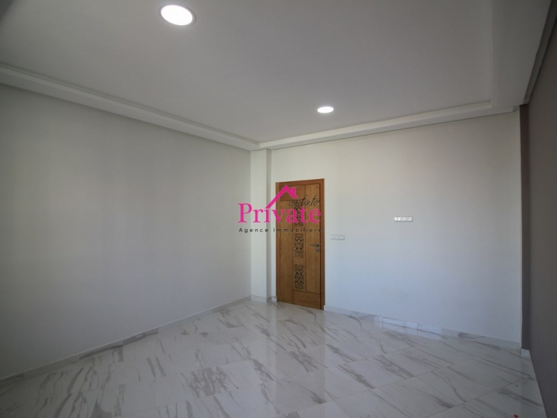 Location,Bureau 103 m² RUE DE FES ,Tanger,Ref: la594 3 Bedrooms Bedrooms,1 BathroomBathrooms,Bureau,RUE DE FES ,1954