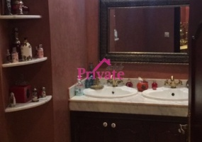 Vente,Appartement 163 m² CLINIQUE ASALAM,Tanger,Ref: VA168 3 Bedrooms Bedrooms,1 BathroomBathrooms,Appartement,CLINIQUE ASALAM,1351