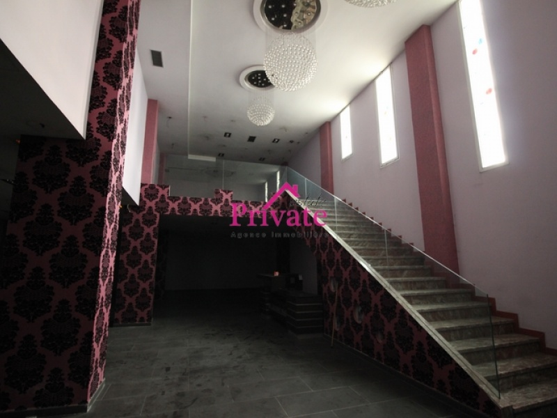 Location,Local commercial m² AV MOHAMED 5,Tanger,Ref: LA409 ,Local commercial,AV MOHAMED 5,1507